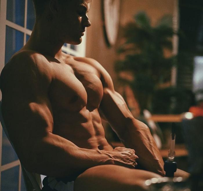 Clomiphene-Steroid-man-body